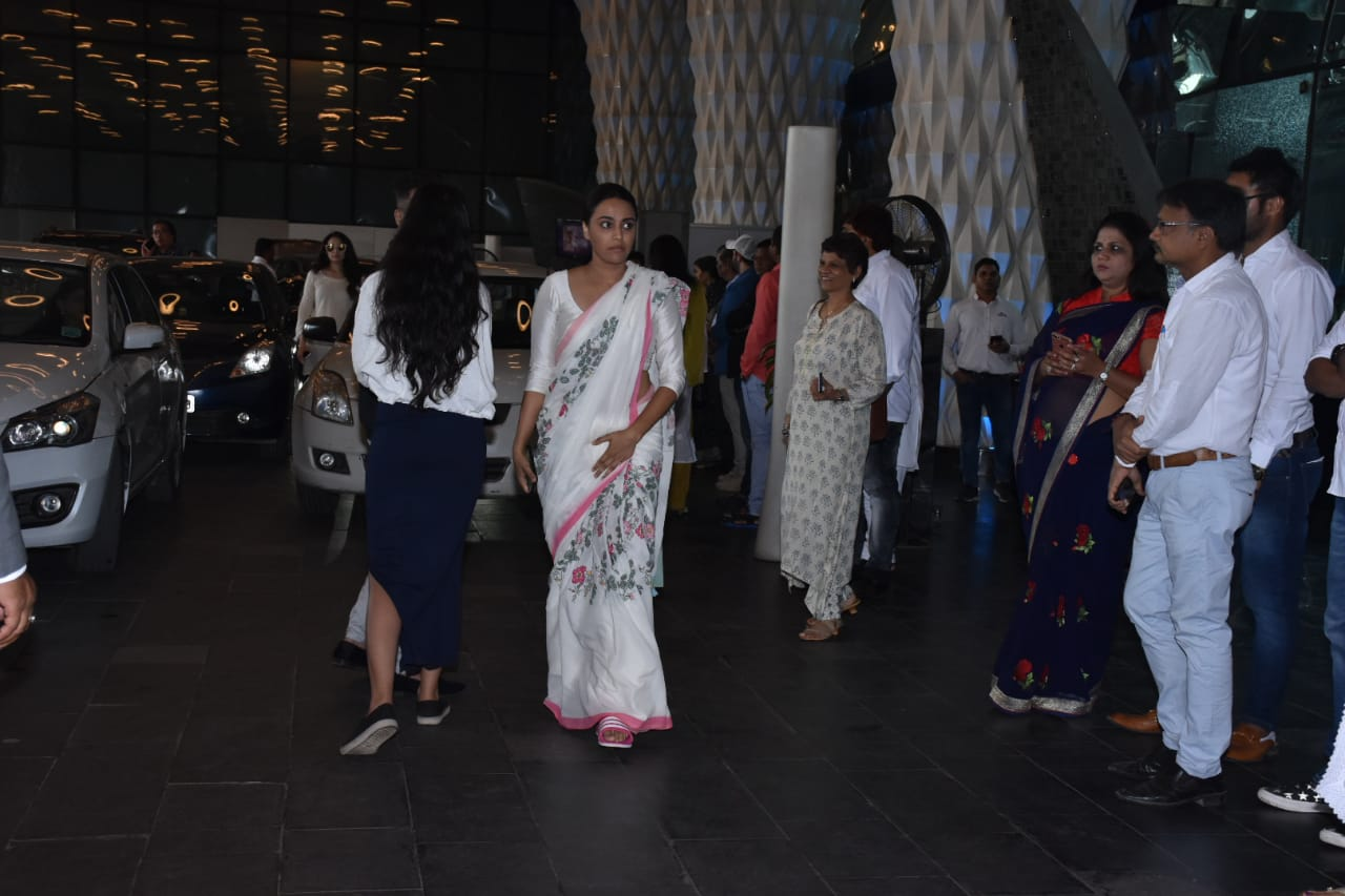 Swara Bhaskat at Raj Kumar Barjatya's prayer meet