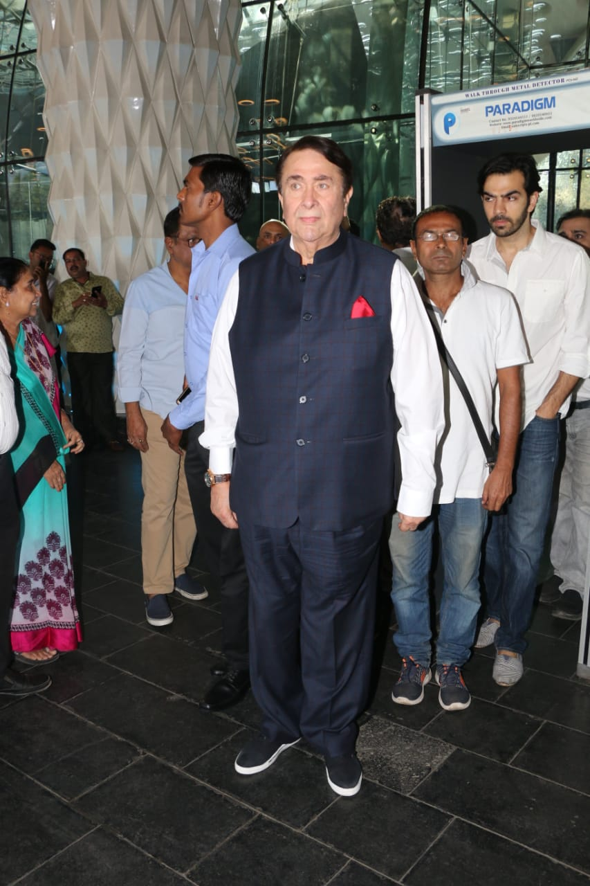 Randhir Kapoor at Raj Kumar Barjatya's prayer meet