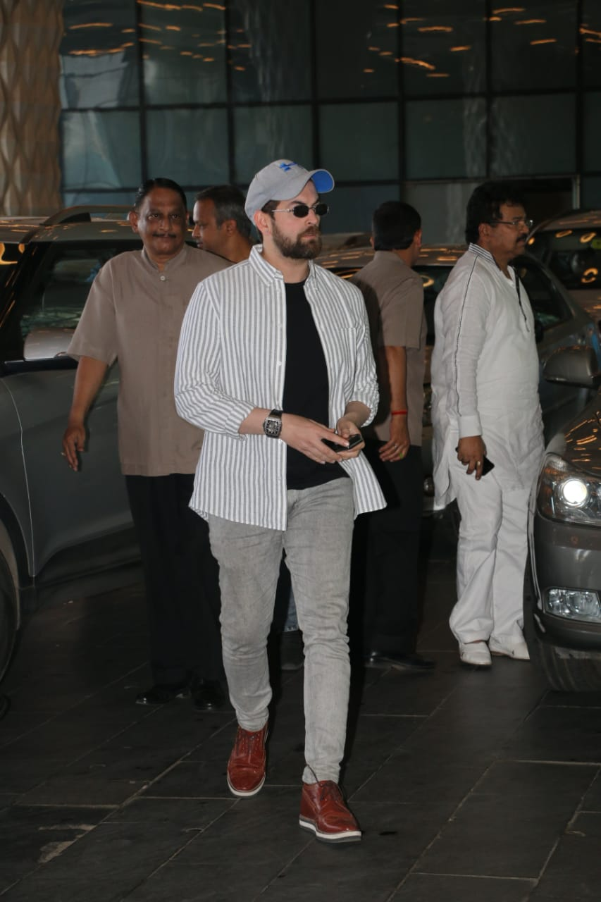 Neil Nitin Mukesh at Raj Kumar Barjatya's prayer meet