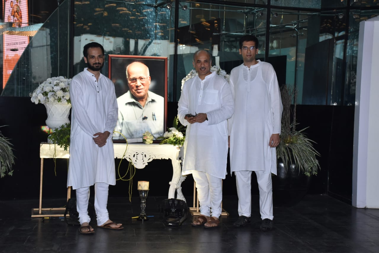 Sooraj Barjatya at Raj Kumar Barjatya's prayer meet