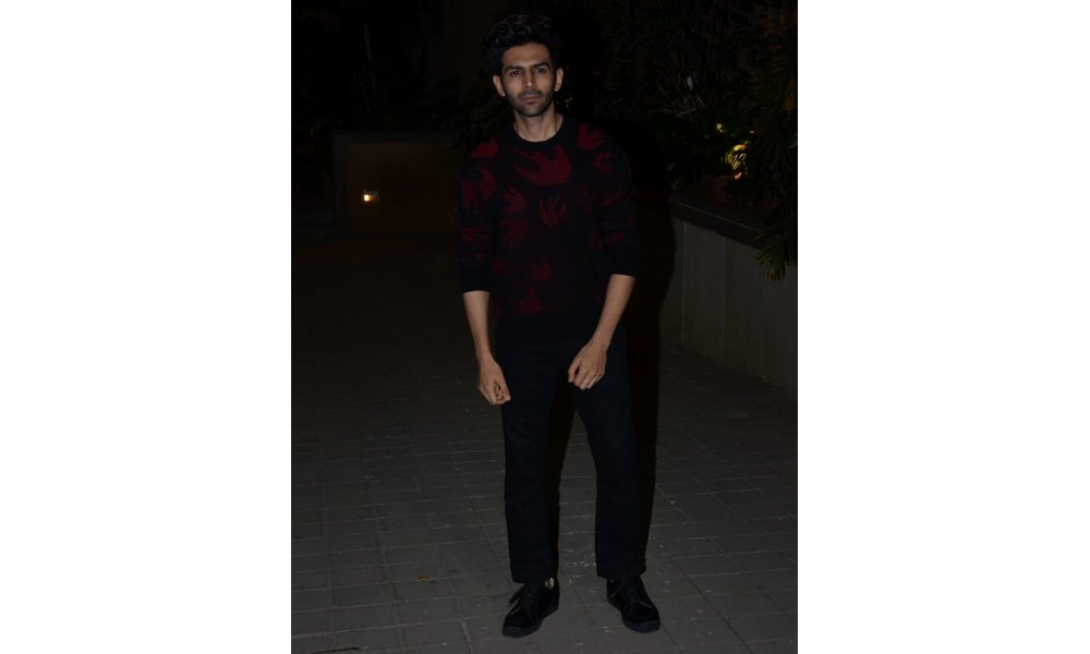Kartik Aaryan at Punit Malhotra's Valentine's Day party