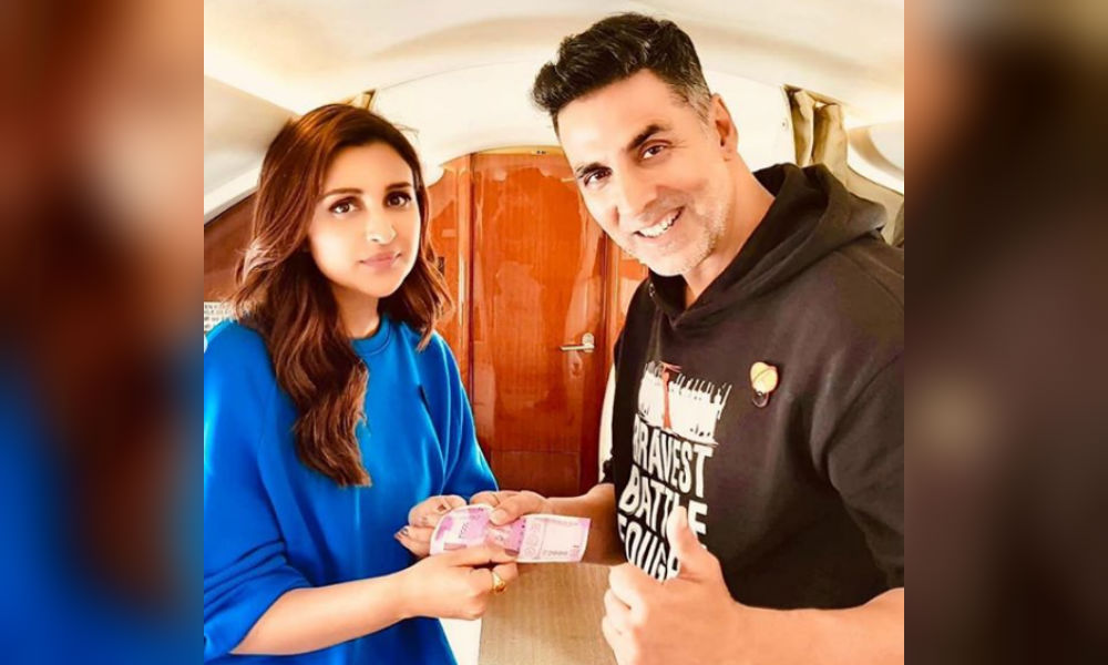 Parineet pays all her debts to Akshay kumar