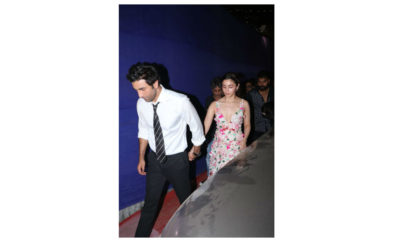 RANBIR AND ALIA AT AWARDS SHOW
