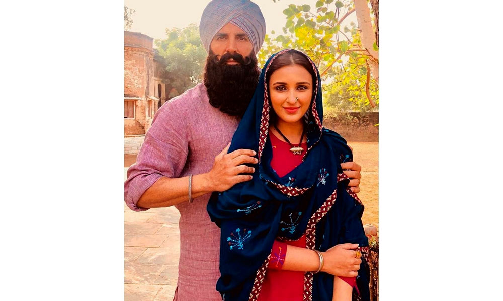 kesari still parineeti chopra akshay kumar close