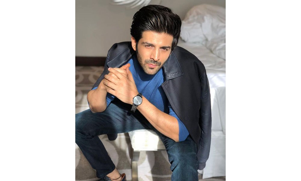 KArtik-Aaryan-on-message-from-AB